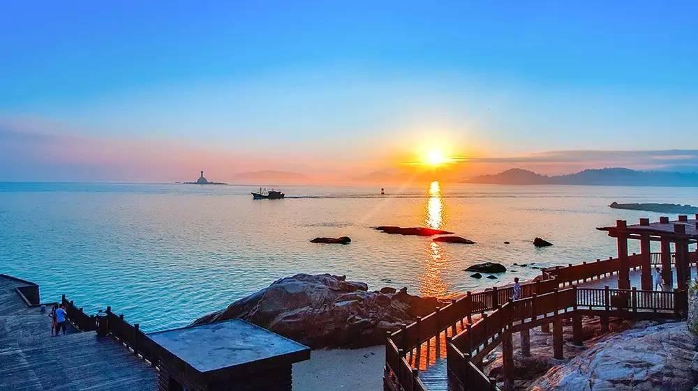 广州双动往返福建东山岛南门湾、鱼骨沙洲、苏峰山、厦门鼓浪屿4天3晚跟团游